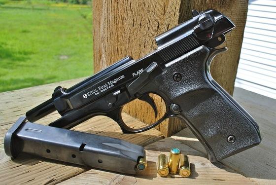 Pistola de fogueo Ekol Sava Magnum (1)